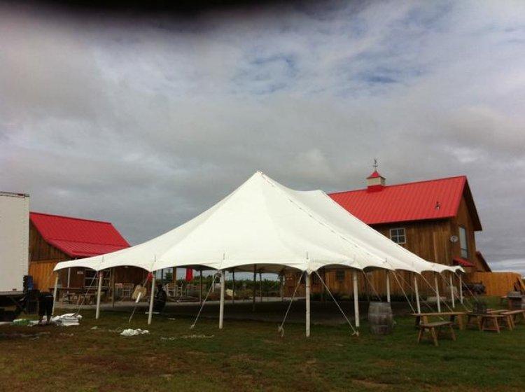 40 x 40 Pole Tent
